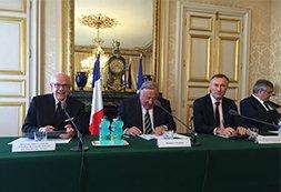 une_signature_charte_senat_cnen